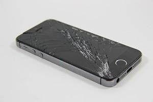 Опыт читателя: сложно ли самостоятельно заменить экран на iPhone?