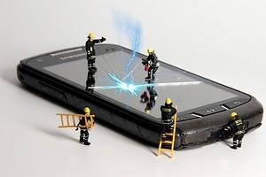 Эксперты рассказали, как избежать взрыва аккумулятора в смартфоне и ноутбуке