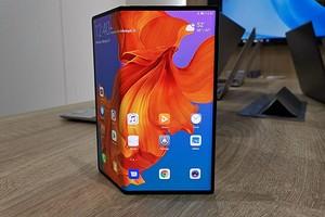 Названа цена складного смартфона с гибким экраном Huawei Mate X 5G