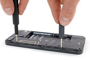 Назван смартфон, который проще всего отремонтировать