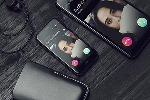 В Россию официально приехал самый компактный современный смартфон. Цена удивляет