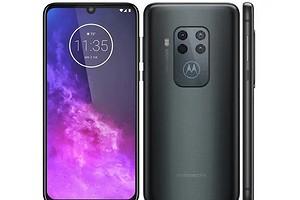 Motorola представила свой первый смартфон с квадрокамерой — Motorola One Zoom