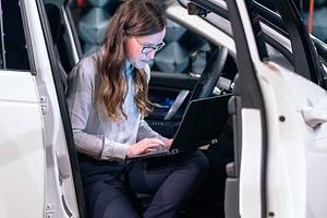 Почему работать на ноутбуке в дороге может быть опасно