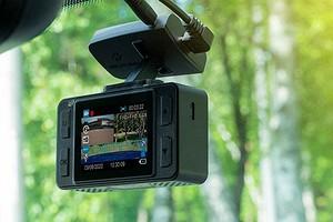 Обзор видеорегистратора NEOLINE G-Tech X76: следит двумя камерами