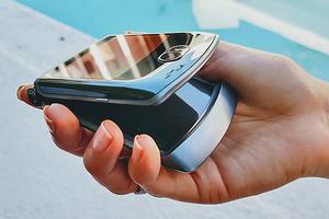 Названа российская цена второго поколения возрожденной легендарной раскладушки Motorola RAZR