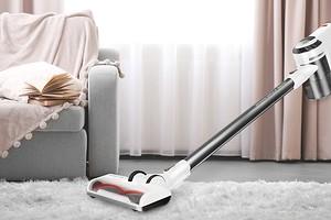 Идеальный домашний помощник: как выбрать вертикальный беспроводной пылесос «2 в 1»