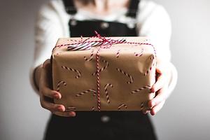 Что дарить на 23 февраля: идеи на любой вкус и бюджет