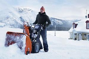 Сугробы не страшны: рейтинг бензиновых снегоуборщиков 2020