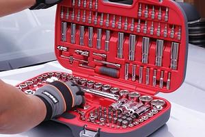 Экономим на покупке инструментов: лучшие наборы для автомобилистов и строителей