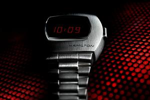 Первые в мире электронные наручные часы перевыпустили в честь 50-летнего юбилея