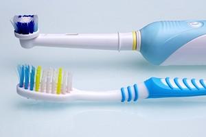 Какую электрическую зубную щетку выбрать: все нюансы и лучшие модели