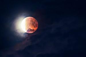 Как фотографировать Луну: настраиваем камеру
