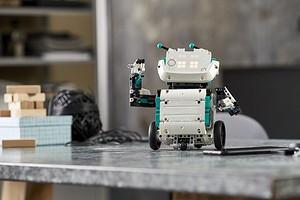У LEGO появится еще один робот-конструктор, которым можно управлять со смартфона