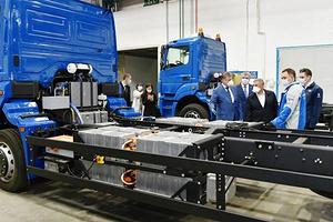 КАМАЗ анонсировал свой первый электрический грузовик – им стал мусоровоз