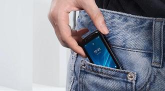 Анонсирован смартфон размеро...
