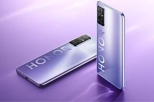 В России стартовали продажи недорогого флагманского смартфона Honor 30