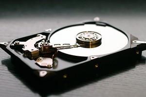 Стоит ли делить жесткий диск на разделы?