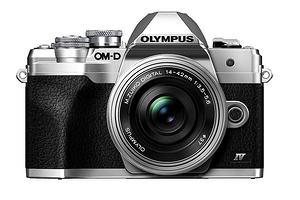 Olympus официально представила компактную и легкую камеру OM-D E-M10 IV