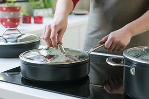 Какая посуда подходит для индукционных плит?