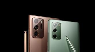 Samsung официально представила след&#...