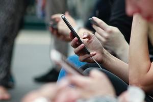 Почему телефон не включается и что с этим делать: 6 советов