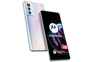 Стартовали официальные российские продажи недорогого флагмана Motorola Edge 20 Pro