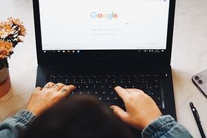 Как включить темную тему в Google