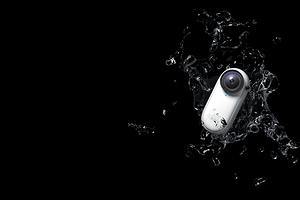 Insta360 представила крошечную экшен-камеру со сменными объективами в форме капсулы