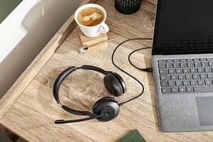Jabra представила новую гарнитуру Evolve2 30 для удаленщиков и сотрудников офиса