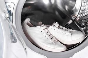 Эксперимент: можно ли стирать кроссовки в стиральной машине