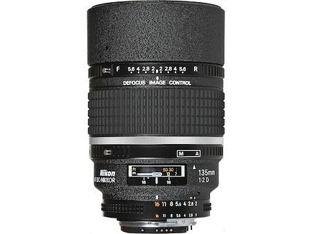 Nikon AF DC–Nikkor 135 mm f/2 D