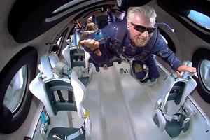 Галактика Брэнсона: от самолета до космических кораблей
