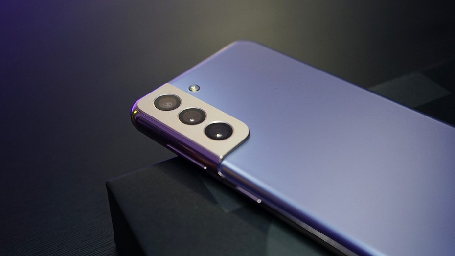 Samsung Galaxy S21 FE близко  устройство протестировали в Geekbench