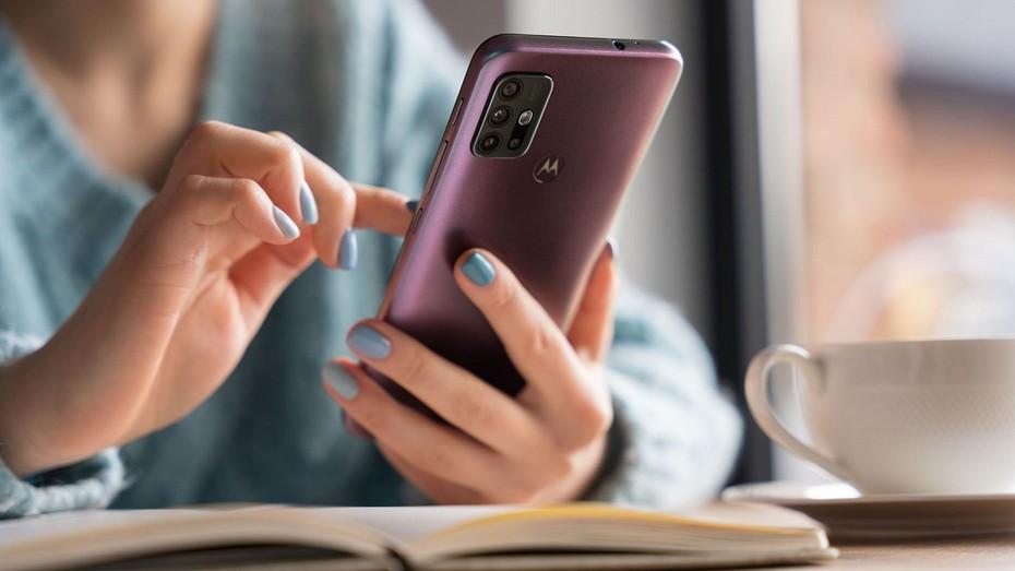 Обзор смартфона Motorola Moto G30: готов поспорить с китайцами