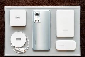 Раскрыты характеристики realme Flash — первого смартфона на Android с магнитной зарядкой