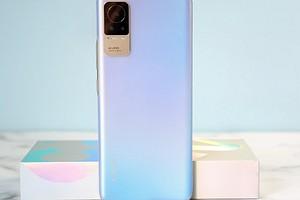 Представлен Xiaomi Civi — смартфон с самым маленьким «подбородком»