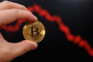 Криптовалютный обвал — рынок в панике, Bitcoin и Ethereum стремительно дешевеют