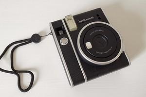 Обзор камеры моментальной печати Instax mini 40: съемка в стиле ретро